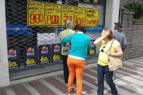Famosa na internet, promoção ganha ano a ano mais adesão do comércio tradicional (Adriano Duarte/Agência RBS)