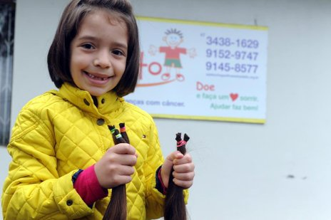 Laura levou os fios cortados para Casa do Adalto em Joinville (Agencia RBS/Salmo Duarte)