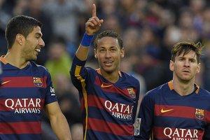 Neymar tem brilhado ao lado de Suárez e Messi no Barcelona (AFP/LLUIS GENE)