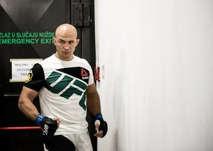 Junior Cigano é catarinense de Caçador, no Meio-Oeste de SC (Divulgação/UFC)