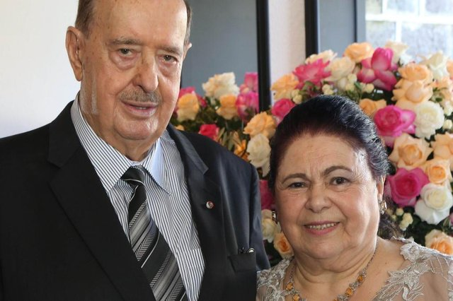 Raul e Nilva Randon celebraram os longevos 60 anos de união, sábado, com almoço no Café de La Musique - Caxias do Sul, RS, Brasil