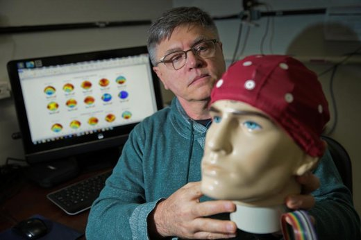 Professor Gasparotto desenvolve pesquisa para uso de neurofeedback no combate ao estresse (Agencia RBS/Cristiano Estrela)