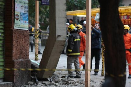 Acidente ocorreu no prédio de número 366 da Rua Annes Dias na última quinta-feira (Agencia RBS/André Ávila)