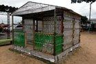 Casa construída pela comunidade escolar é um protótipo em menor escala (Divulgação/PMPA)