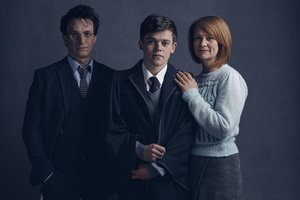 Jamie Parker (Harry), Sam Clemmett (Alvo Severo) e Poppy Miller (Gina) (Divulgação/Harry Potter Publishing and Theatrical Rights)