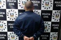 Suspeito foi preso em casa, em Alvorada (Polícia Civil/Divulgação)