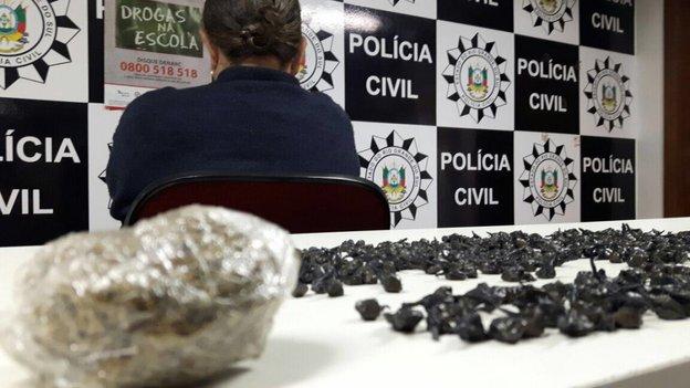 Idosa tinha a casa usada como depósito de drogas em Canoas (Policia Civil/Divulgação)