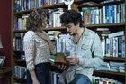 Debora Bloch e Jesuita Barbosa estrelam a trama que é contada nas segundas-feiras (TV Globo/Divulgação/Estevam Avellar)