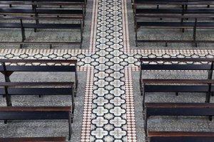 Reforma trocaria piso, imagens dos santos, altares e lâmpadas (Agencia RBS/Leo Munhoz)