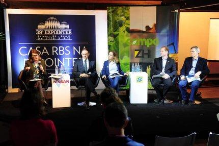 Conversa ocorreu na Casa RBS, na Expointer, na tarde de segunda-feira (Agencia RBS/Adriana Franciosi)