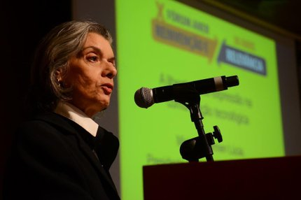 Cármen Lúcia participou dofórum da Associação Nacional dos Editores de Revistas na manhã desta quinta-feira (Agência Brasil/Rovena Rosa)