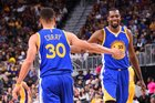 Curry e Durant se uniram para tentar o título da NBA (NBAE via Getty Images/AFP/Andrew D. Bernstein)