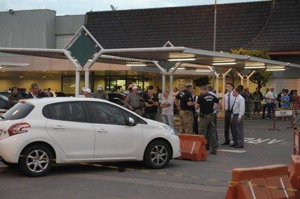 Empresário foi morto por engano em estacionamento de supermercado de Porto Alegre, na quinta-feira passada (Agencia RBS/Luiz Armando Vaz)