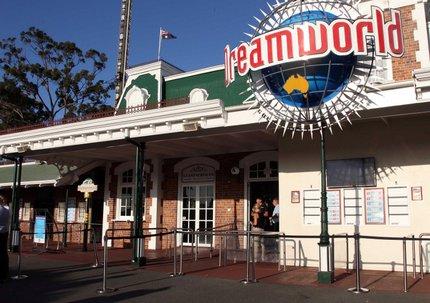 Dreamworld é o maior parque do país e fica situado na região turística da Gold Coast (Tertius Pickard / AFP)