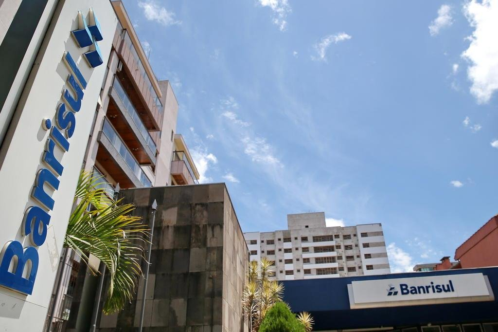 Governo gaúcho anuncia venda de ações do Banrisul