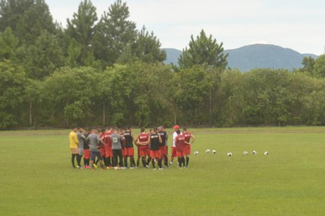 Jogadores treinaram na UFSM na tarde desta sexta-feira (NewCo DSM/Fernanda Ramos)