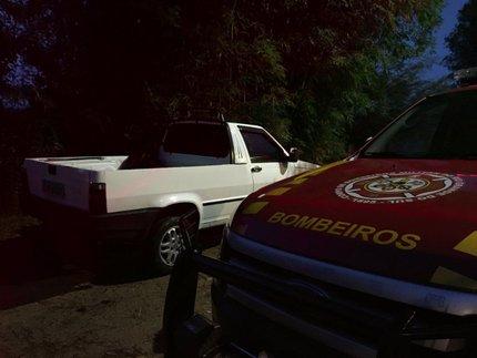 Bombeiros realizaram buscas durante a madrugada (RBS TV/Fábio Almeida / RBS TV)