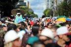 Cerca de 40 mil pessoas saíram às ruas para acompanhar o já tradicional Bloco da Velha (Agencia RBS/Felipe Nyland)