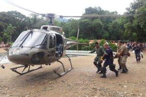 Equipe do Graer conduziu a vítima ao Hospital São José (Divulgação/Graer,divulgação)