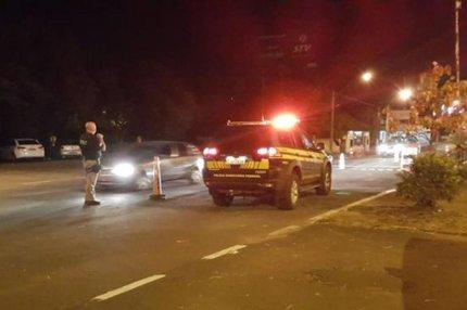 Em uma hora, 11 motoristas foram flagrados embriagados na BR-116, em São Leopoldo (PRF/Divulgação)