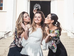 Luiza Ferrari (C) viajou com as amigas Carol Locks e Carol Francalacci (D) para Miami (Felipe Carneiro/Agência RBS)