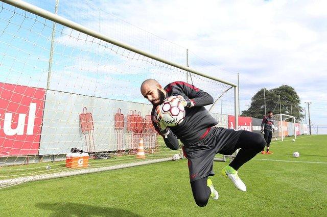 Goleiro do Inter Danilo Fernandes