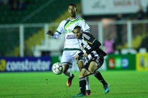 Figueirense perde para o Luverdense e se complica ainda mais na competição (Agencia RBS/Leo Munhoz)