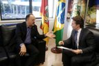 No retorno da viagem, Daniel Guerra (PRB) recebeu o deputado federal Mauro Pereira (PMDB) no gabinete (Divulgação/Daniel Corrêa)