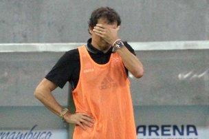 Treinador não fica satisfeito com o desempenho da equipe em Pernambuco (FUTURA PRESS/ESTADÃO CONTEÚDO/marlon costa)