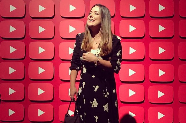 flavia calina, youtuber