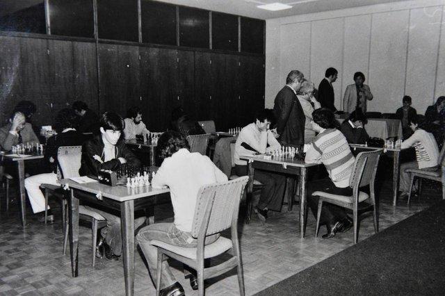 CAXIAS DO SUL, RS, BRASIL (14/09/2017) Xadrez no Clube Juvenil.  NA FOTO, TORNEIO DE XADREZ NO CLUBE JUVENIL, EM 22 MAIO DE 1979.  (Roni Rigon/Pioneiro).