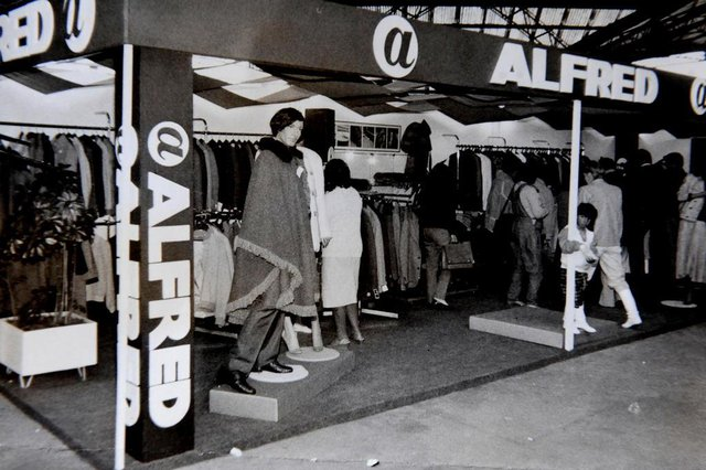CAXIAS DO SUL, RS, BRASIL (17/04/2017) Libanês Kalil Sehbe.  Em 1927 o imigrante libanês kalil Sehbe fundava uma promissora confecção de roupas, tornando-se a gigante Organizações Alfred.    NA FOTO, ESTANDE NA FESTA DA UVA, DÉCDA DE 1980.   (Roni Rigon/Pioneiro).