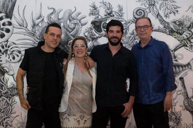 Clique especial em família, na estréia da 3@ edição do Garten Art: Eli Diniz Neto, Rose de Mico Silva, Ronaldo Diniz e Eli Diniz
