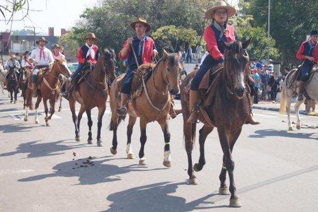 desfile de 20 de setembro em Santiago (Divulgação/Márcio Brasil)