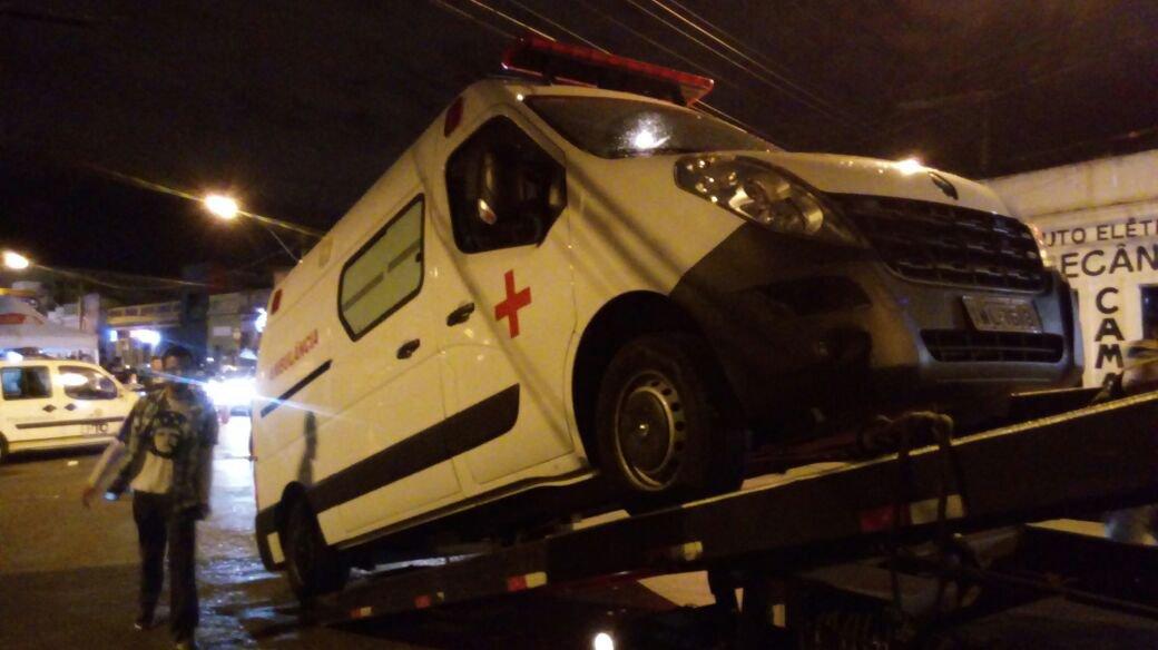 Ambulância clandestina é apreendida durante fiscalização em Porto Alegre