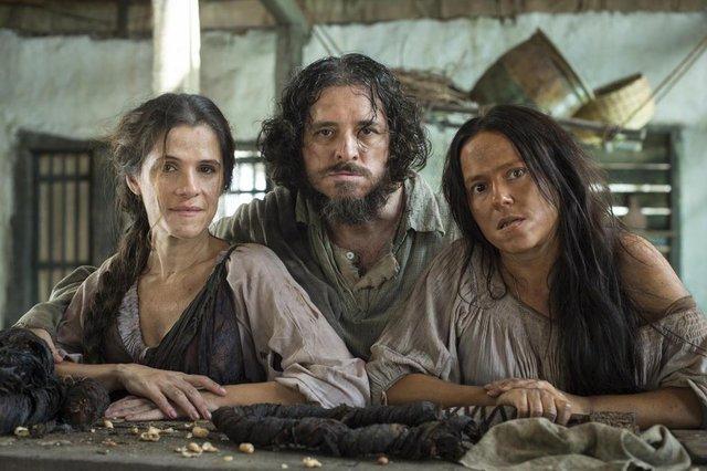 novo mundo, coluna noveleiros, Elvira ( Ingrid Guimarães ), Licurgo ( Guilherme Piva ) e Germana ( Vivianne Pasmanter )