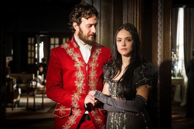 Casamento Anna  ( Isabelle Drummond ) e Thomas ( Gabriela Braga Nunes ) em Novo Mundo