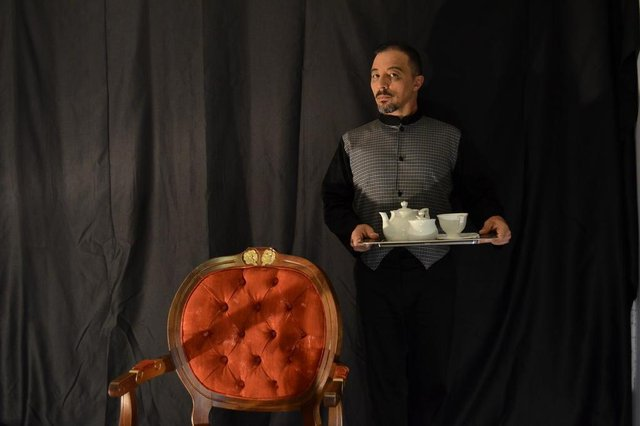 a peça teatral 75 PUNHALADAS, apresentada pela N.A.F.T. - Nós Amamos Fazer Teatro, de Florianópolis.