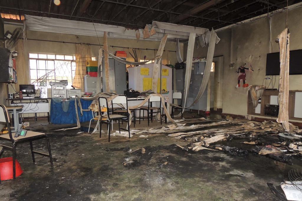 Criança sobrevivente de ataque em Janaúba recebe alta em Montes Claros