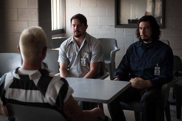 cena do filme Logan Lucky