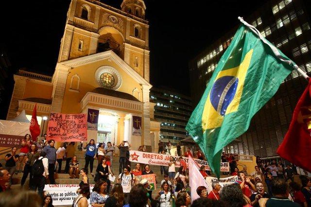 FLORIANÓPOLIS, SC, BRASIL - 31/03/2017Novo protesto contra as reformas propostas pelo presidente Michel Temer (PMDB) na Previdência e nas leis trabalhistas está marcado para as 17h desta sexta-feira em Florianópolis. O ato é organizado pelas centrais sindicais através da Frente Brasil Popular. Para a Capital, há a expectativa da presença de manifestantes de 28 cidades do Estado, na Praça da Alfândega, no Centro