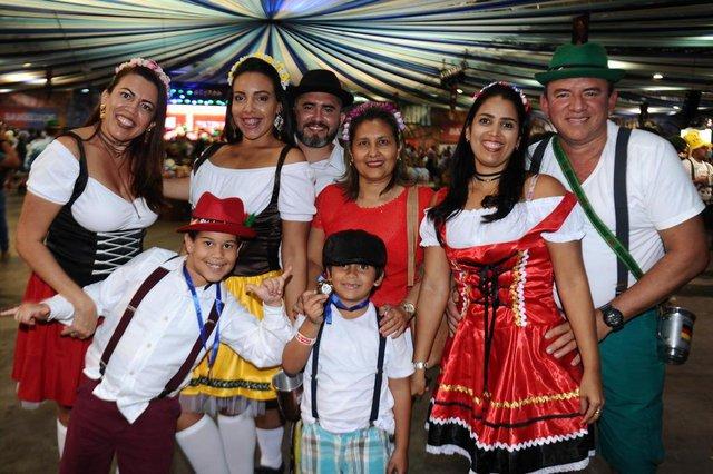 Blumenau - SC - Brasil - 07102017 - Oktoberfest 2017 na Vila Germânica em Blumenau. turistas de Fortaleza.