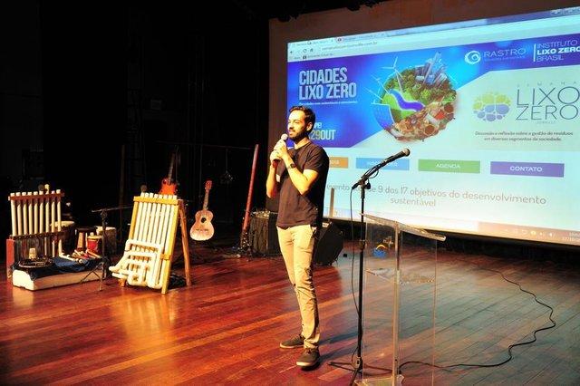 JOINVILLE,SC,BRASIL,17-10-2017.Lançamento da semana lixo zero em Joinville.Arthur Rancatti.(Foto:Salmo Duarte/A Notícia)