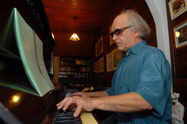 *** Mauro Vieira - Pianista cego ***  Angelin Loro - Pianista cego