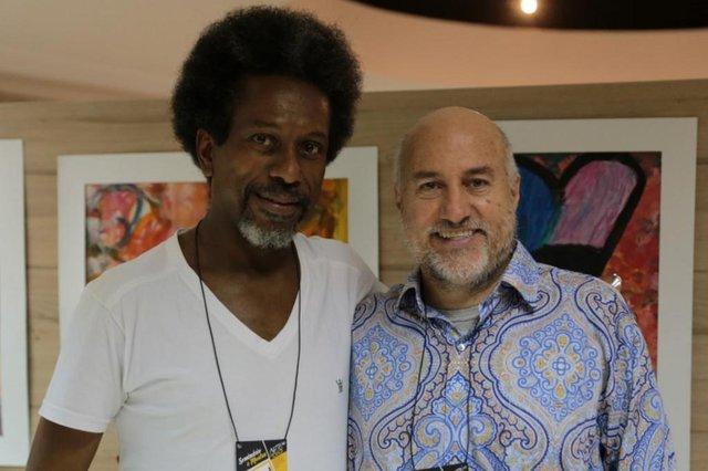 o ator, professor e diretor do Grupo de Teatro Arte para Todos Robson Benta com Geo Britto, diretor e professor de teatro