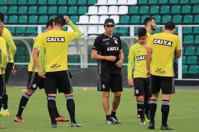 Figueirense, Milton Cruz, treino
