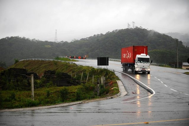 JOINVILLE, SC, BRASIL (26-10-2017) - Obras do contorno de Garuva. (Foto: Maykon Lammerhirt, A Notícia)