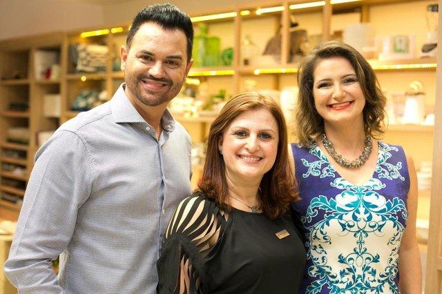 EventoSidney Rosa, Adriane Pereira e Susane Raiter no evento de lançamento de mais uma edição da revista do Núcleo Catarinense de Decoração e também da nova coleção da Trussardi que aconteceu na Loja Flamingo.