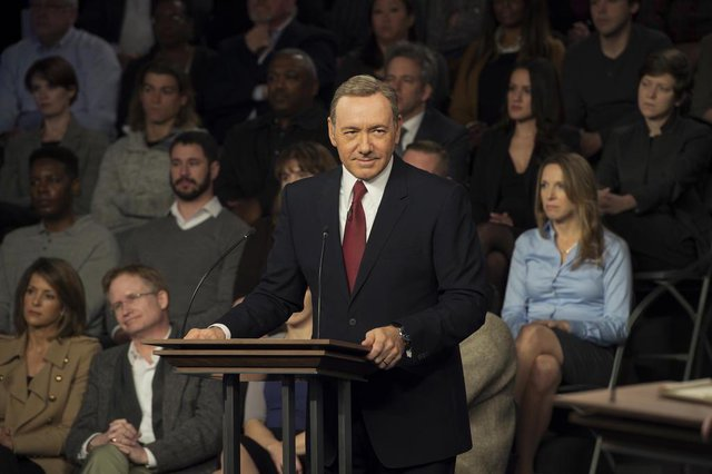 Frank Underwood (Kevin Spacey) em foto da terceira temporada de House of Cards