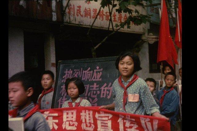 no intenso agora, documentário de joão moreira salles. revolução cultural na china de 1966
